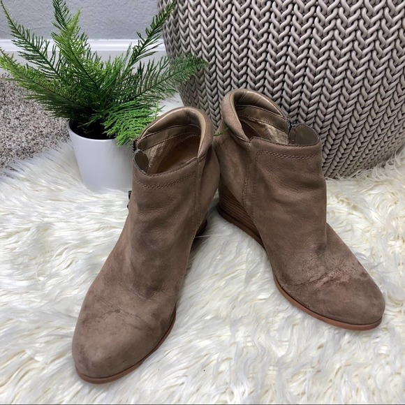 Crown Vintage Tan Wedged Ankle Boots